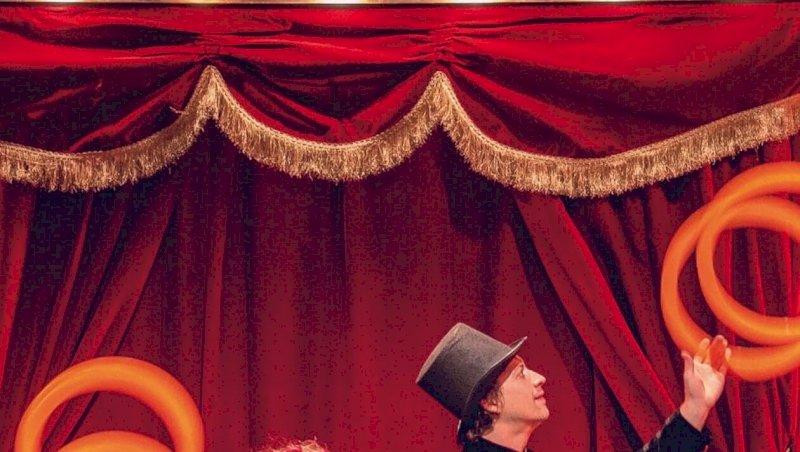 La Bernerie-en-Retz. Le rideau rouge s'ouvre sur la piste du Manivelle Circus