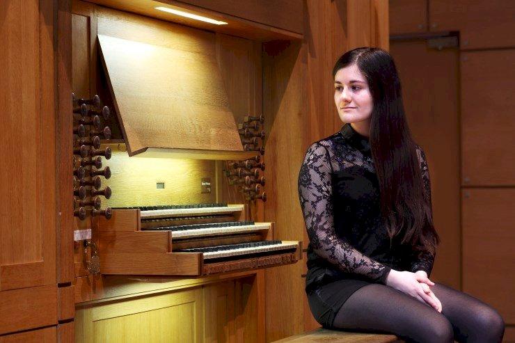 Récital d'orgue par Esther Assuied