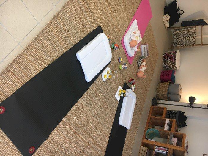 Le P'tit Nuage organise : Massage Bébé Ventre Jambes Pieds