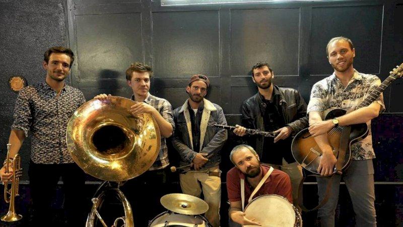 Pornic. Pigalle Jazz Band joue au fil de l'eau | Presse Océan
