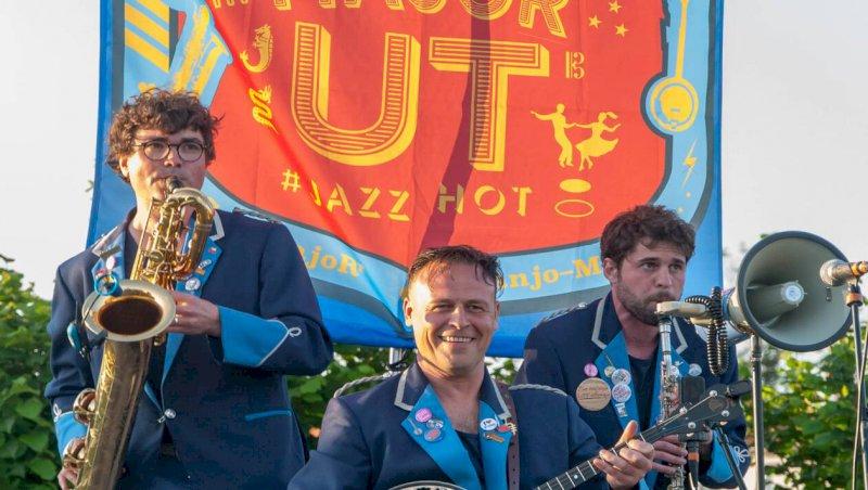 La Bernerie-en-Retz. Déambulation musicale avec le sensationnel Major Ut   Presse Océan