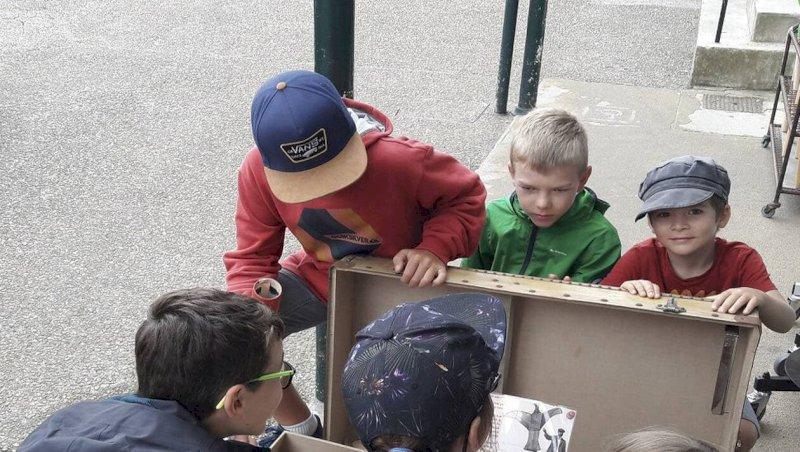 Les Moutiers-en-Retz. Les enfants enquêtent pour découvrir la commune