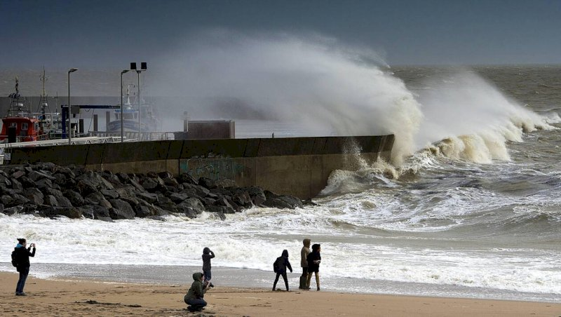 La tempête Ciara attendue sur les côtes de Loire-Atlantique : les conseils des pompiers