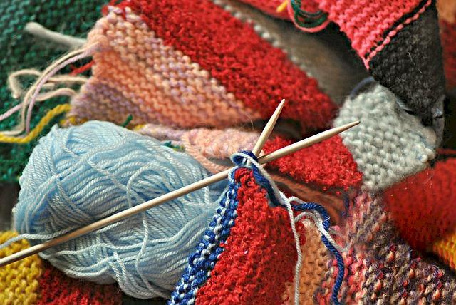 Le LIEN accueille un atelier tricot pour le 30ième téléthon de Prinquiau