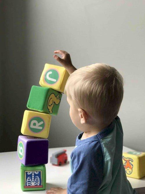 Espace jeux libres pour les enfants jusqu'à 4 ans