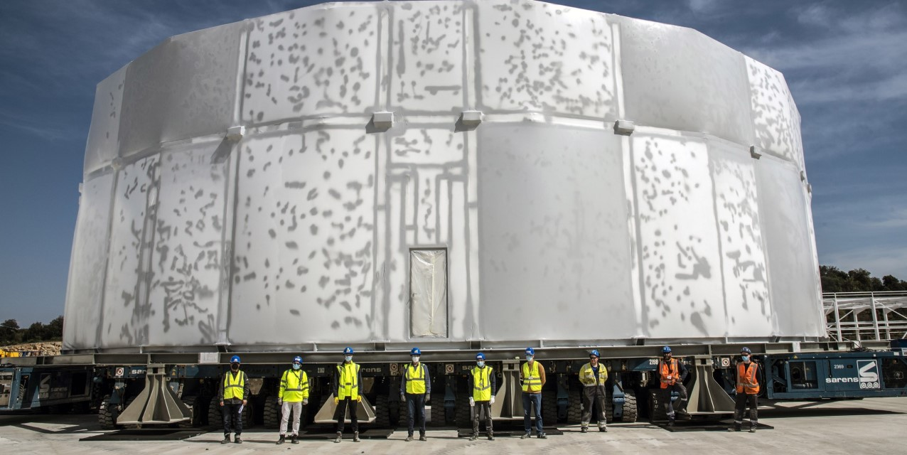 iter_cryostat_upper_cylinder_move
