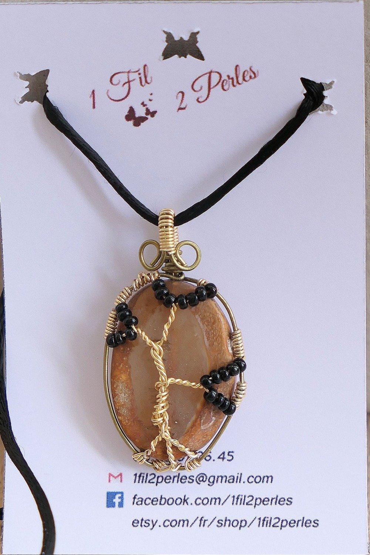 Pendentif Arbre de Vie Agate Naturelle Perles Noires