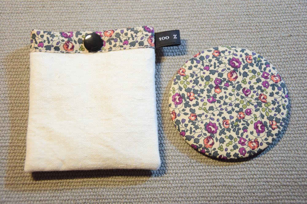 Miroir de sac beige motifs fleurs et pochette à pression assortie - Fait main