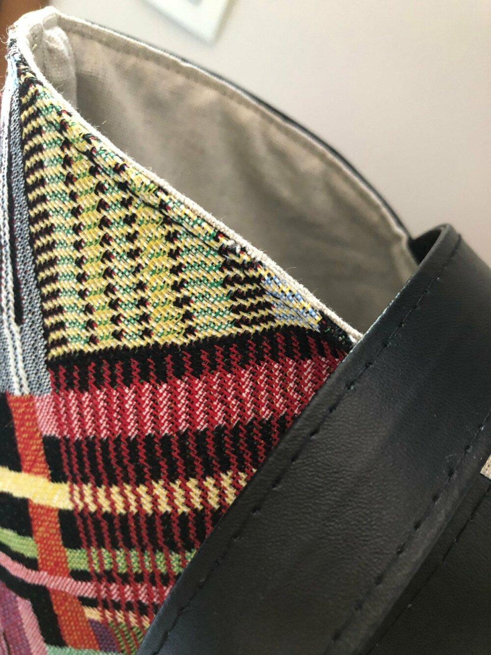 Sac cabas - cuir végan noir & motif coloré