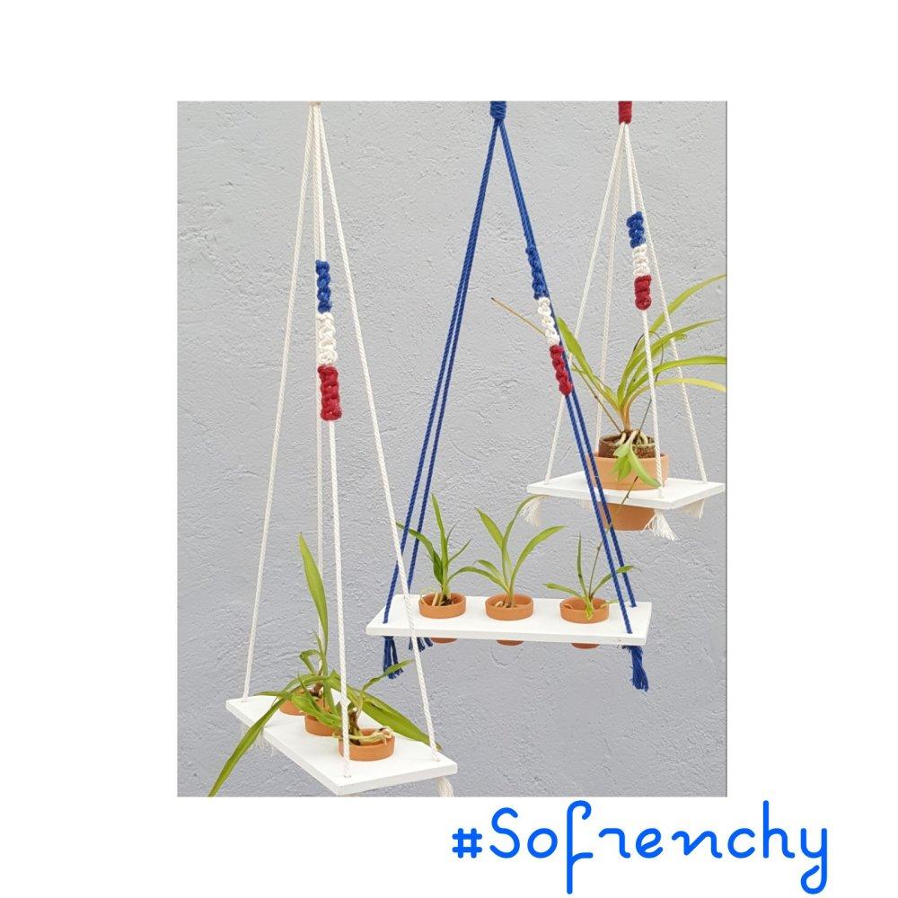 "Suspension plante  ""SoFrenchy"" en macramé, tissage macramé"