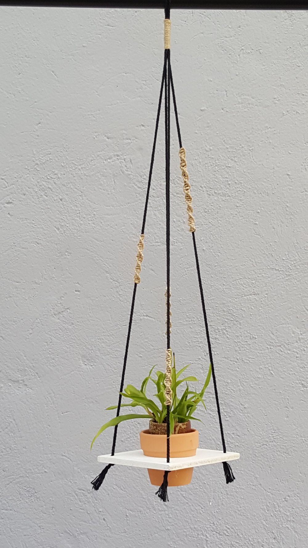 "Suspension plante ""SoNature"", porte plante macramé"