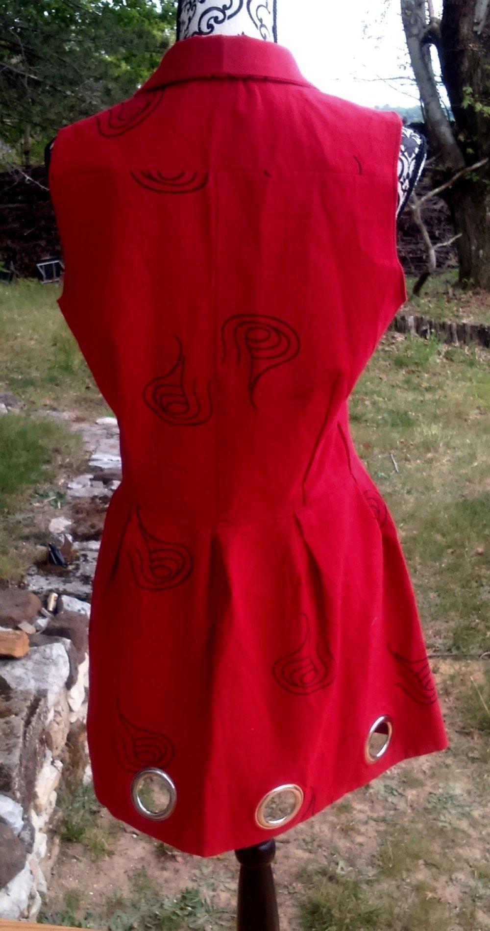 Robe rouge à motifs noirs Taille 38/40