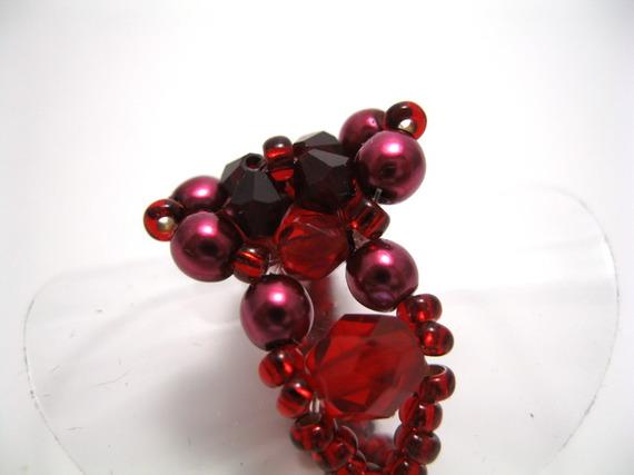 Bague rouge et bordeaux en perles swarovski