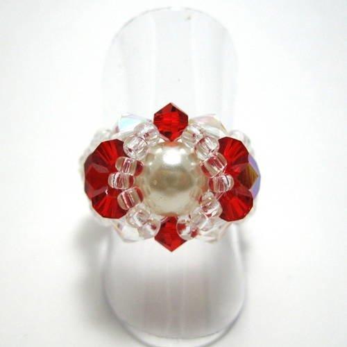 Bague fantaisie en perles swarovski rouges et blanches - Un grand ...