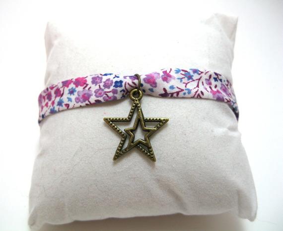 bracelet liberty avec breloque double étoile