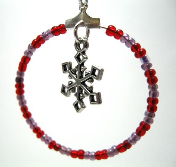Créoles en perles de rocaille et pendentif flocon