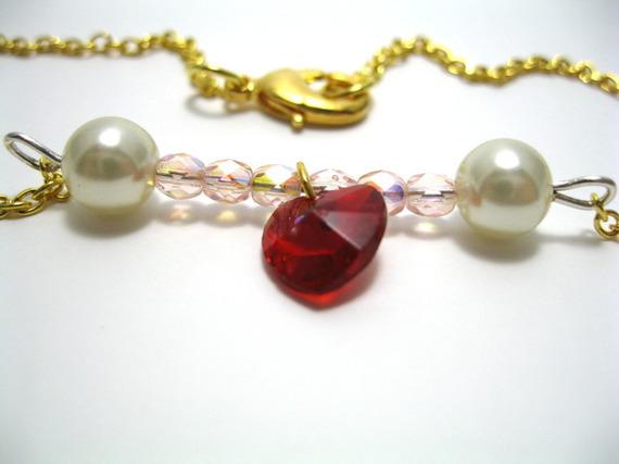 collier saint Valentin avec chaine dorée et pendentif coeur