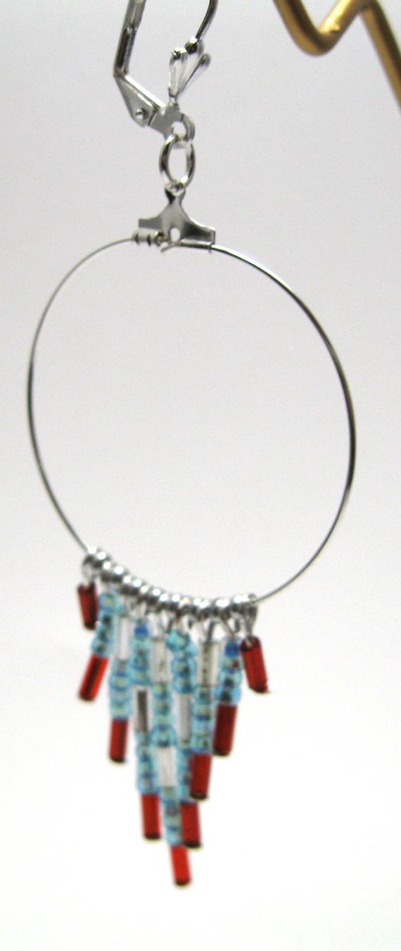 Créoles pendentif triangle en perles de rocaille