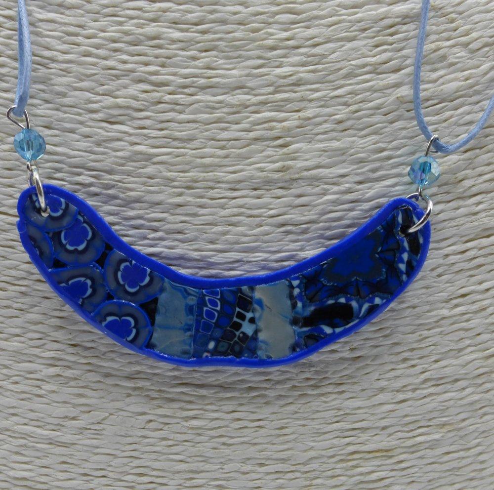 Collier bleu en argile polymère et perles en verre