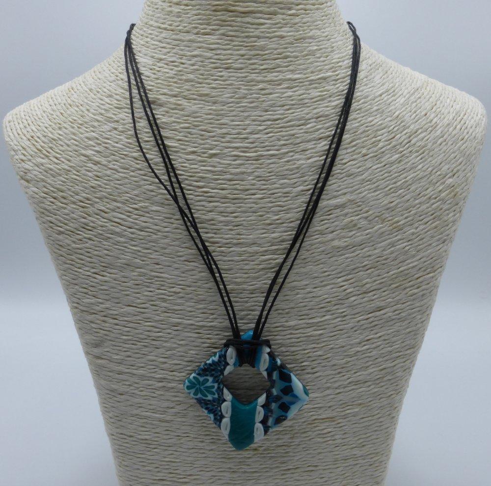 Collier turquoise et émeraude en argile polymère et coton ciré