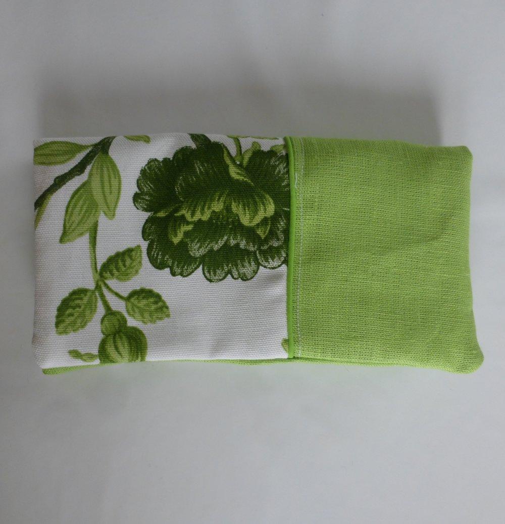 Protège chéquier vert chartreuse à fleurs en coton et lin