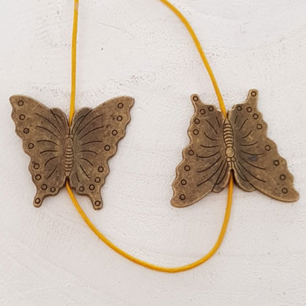 Breloque papillon N°09