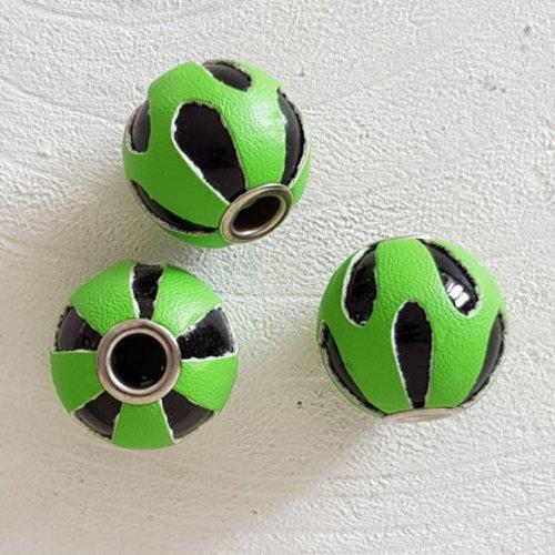Perle ronde en cuir n°06 vert