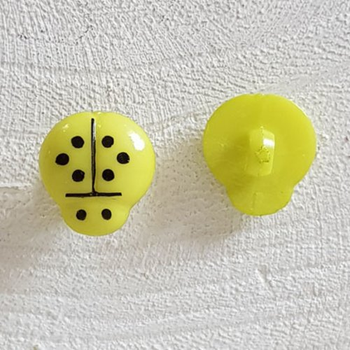 Boutons fantaisie, enfants, bébés motif coccinelle n°01-05 vert clair