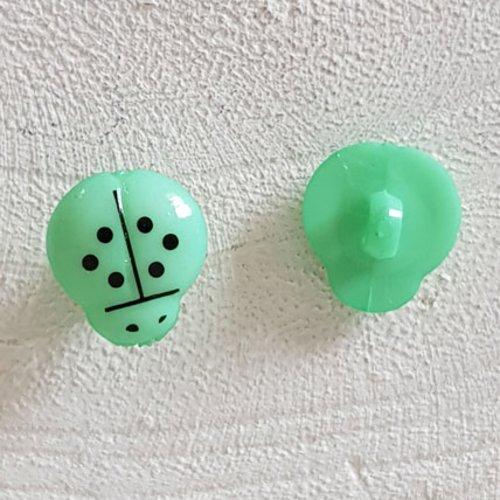 Boutons fantaisie, enfants, bébés motif coccinelle n°01-08 vert pastel