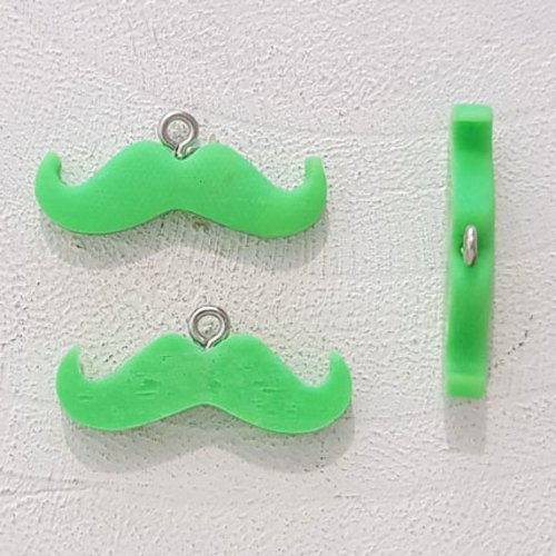 Breloque pendentif moustache n°02 vert