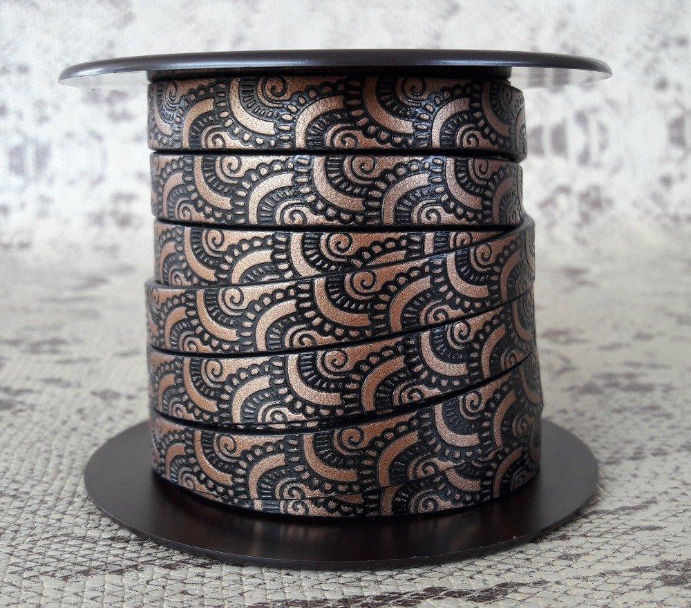 lanière cuir plat 10 mm imprimé ornement cuivre/noir de grande qualité européenne vendue au mètre