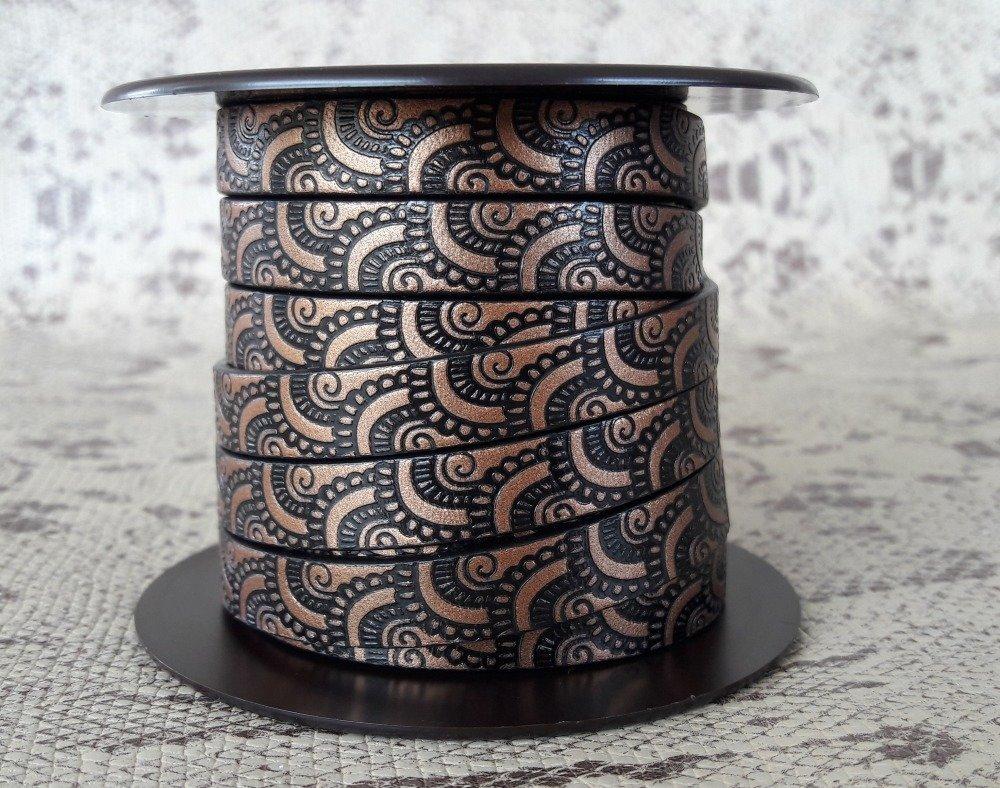 lanière cuir plat 10 mm imprimé ornement cuivre/noir de grande qualité européenne vendue au centimètre
