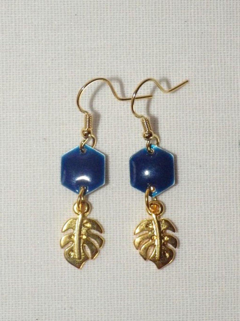 Boucles d'oreilles philodendron et époxy, marine