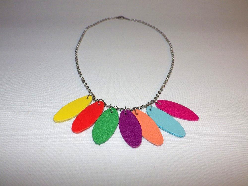 Collier pétales de cuir multicolore et inox