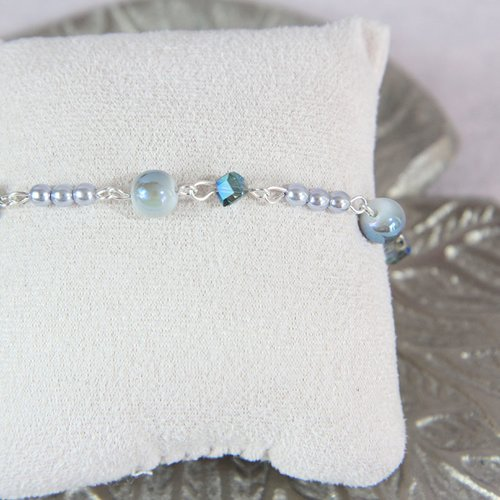 Bracelet chaine perle bleu et strass swarovski
