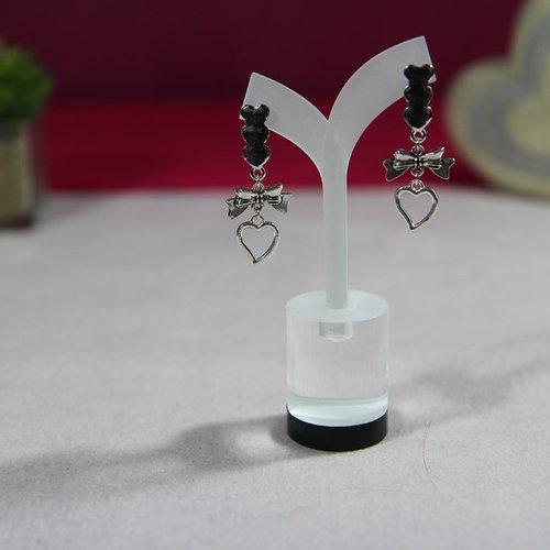 Clou d'oreille coeur argenté connecteur noeud papillon et pendentif coeur