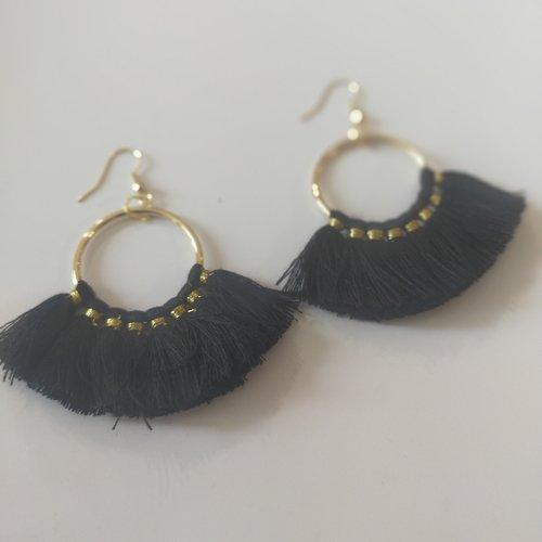 Boucles d'oreilles, noire, pendante, ethnique, vintage, pompon,or, coloré, cadeau, noël, fête des mères,