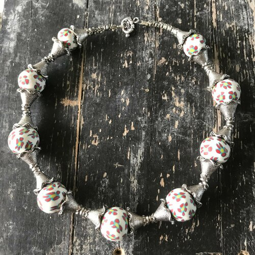 Collier grosse perle en argile polymère fleur,bucolique,55 cm de tour de cou