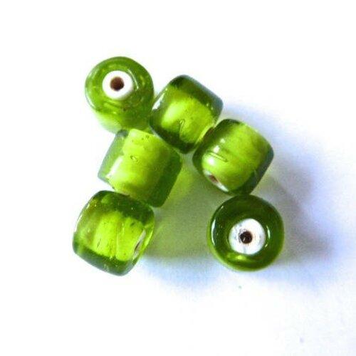 Perle en verre artisanale indienne verte dimensions 10mm  trou : 1,5 mm,lot de 4