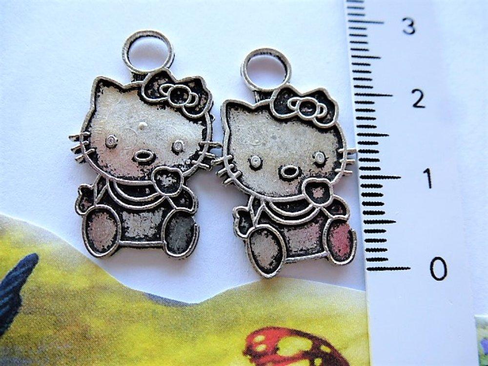 2 breloques chat K, style estampe, petit noeud en métal argenté pour création bijoux, décoration, loisirs créatifs et travaux man