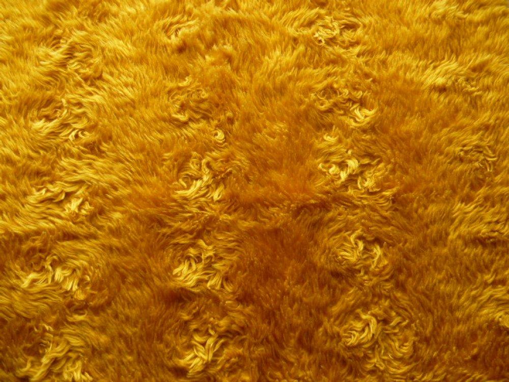 fourrure vintage synthétique jaune d'or orangé semi bouclée coupon de 30 x 50 cm pour créations accessoires couture, jouets et peluches