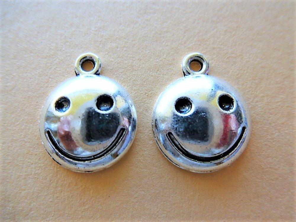 10 Breloques argenté smiley sourire, accessoires, pampilles BR 326 pour création de bijoux, loisirs créatifs et décoration
