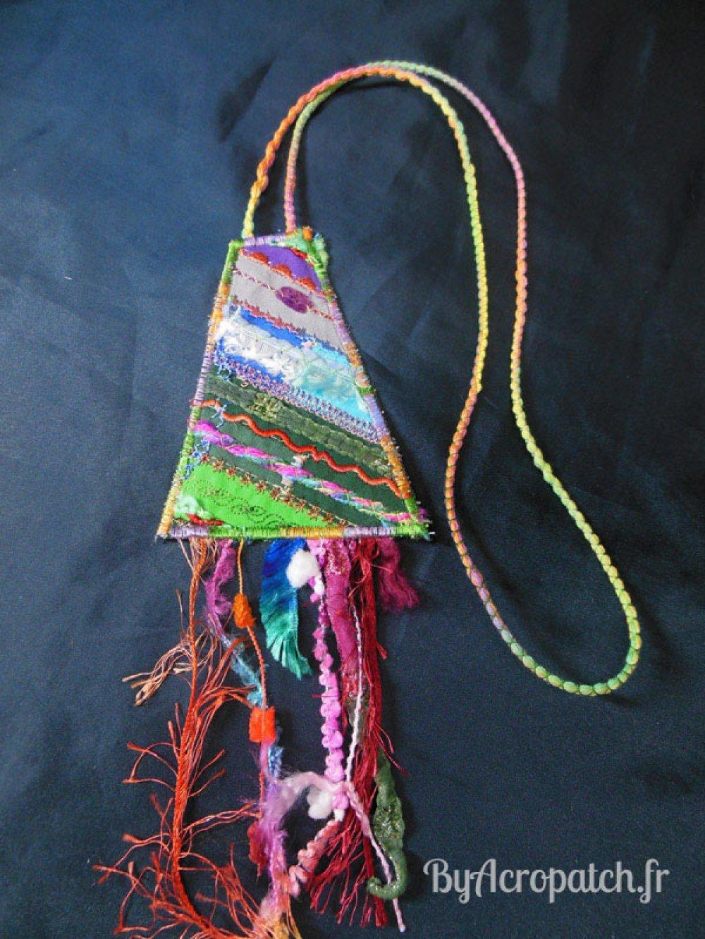 Collier sautoir textile, forme trapèze (CLT2)