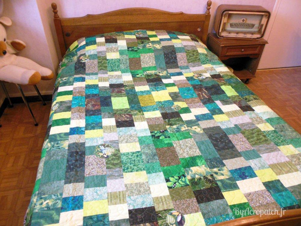 """Couvre-lit 2 places, couverture, jeté de canapé en patchwork """"Genna"""", tons verts"""