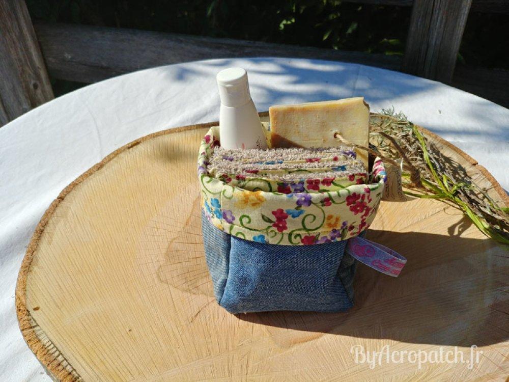 10 lingettes lavables + 1 pochon, farandole de petites fleurs (PL101)
