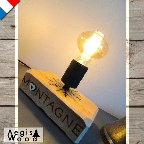 2 lampes edison d'ambiance ~l20x11,5xh14cm (pied) pyrogravure flocon de neige, mots montagne et altitude, ambiance chaleureuse, déco chalet