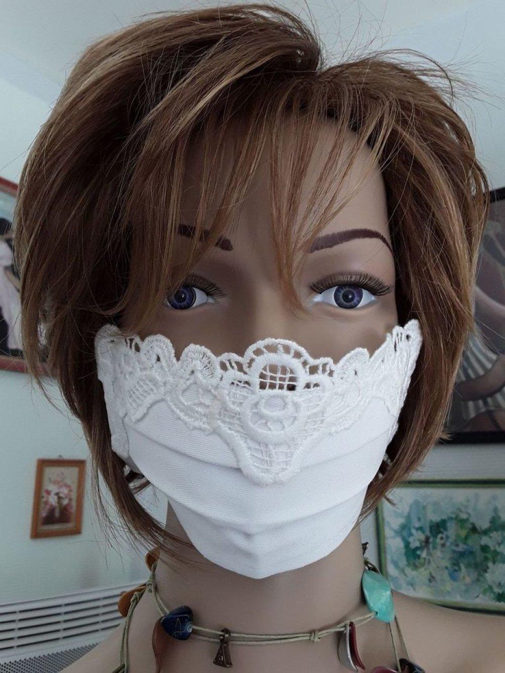 Masque de protection blanc avec macramé