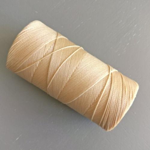 10 mètres fil macramé ciré linhasita  - polyester 0,8 mm d'épaisseur.  pour macramé, bijoux. straw réf 18