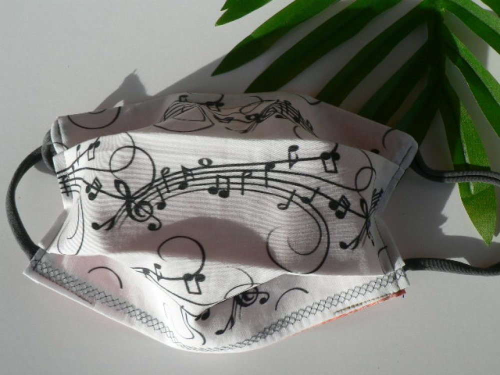 """Masque barrière avec pince nez """"note de musique"""""""