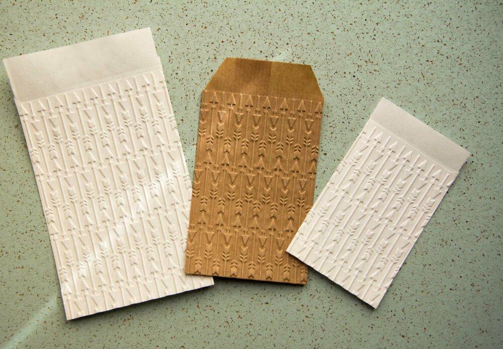 Sachets cadeaux flèches, motif indien  lot de 10 au choix